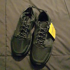 Men's size 9 Athletic Shoes Avia brand
